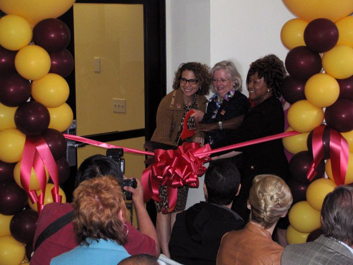 School of Nursing Cuts Ribbon on Clinical Skills Lab